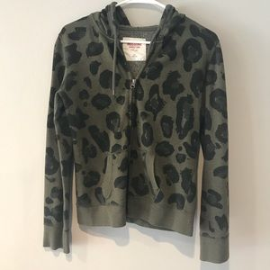 Sweaters - Leopard Mossimo sweater